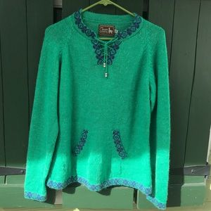 Alpaca Made in Peru Very Soft Green Sweater